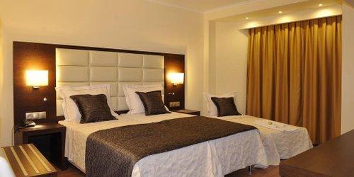 Забронировать Europa Hotel
