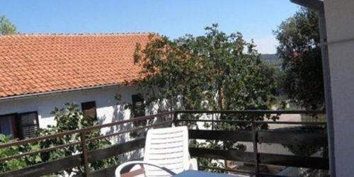 Забронировать Apartments Dorotea - Jezera