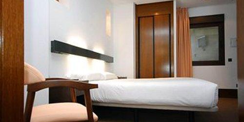 Забронировать Hotel Domus Plaza Zocodover