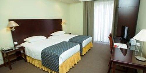 Забронировать Europe Hotel