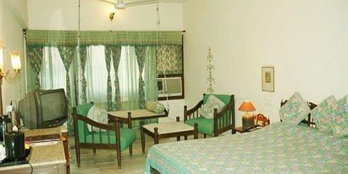 Забронировать Hotel Hilltop Palace