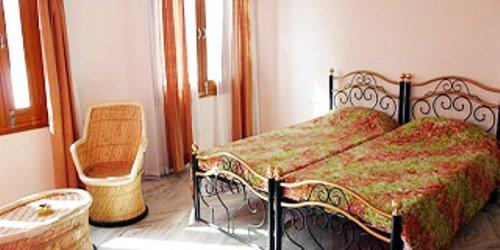 Забронировать Hotel Kesar Palace