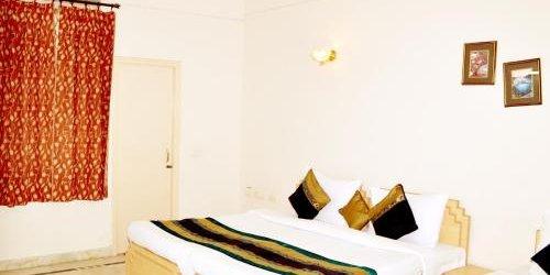 Забронировать Hotel Sheela Inn