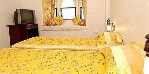 Забронировать Hotel Sargam Sadan
