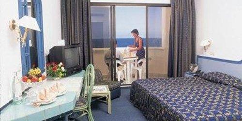 Забронировать Hotel Abou Nawas Boujaafar