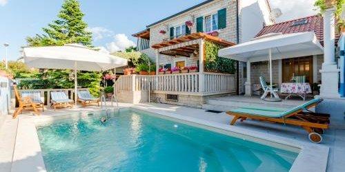 Забронировать Apartment Villa Camellia