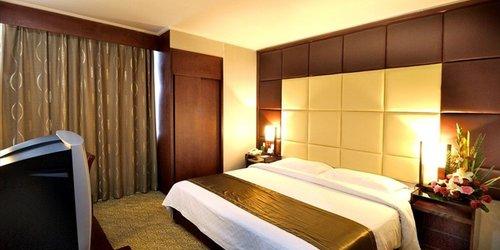 Забронировать HNA Business Hotel Downtown Xi'an