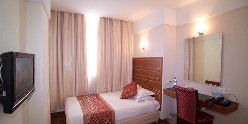 Забронировать Shanghai Astronautic Hotel