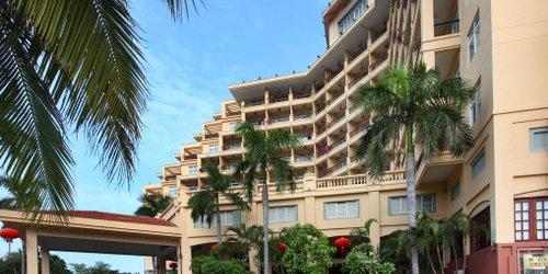 Забронировать Golden Phoenix Seaview Hotel