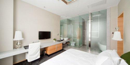 Забронировать Royal Tulip Luxury Hotel Carat - Guangzhou