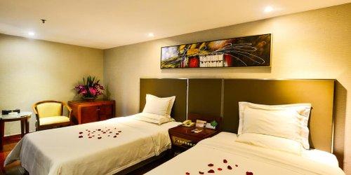 Забронировать Yingshang Dragon Pearl Hotel