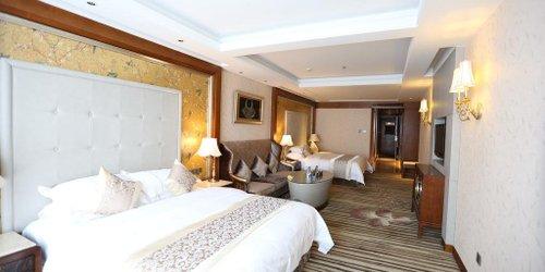 Забронировать Sunshine Hotel Zhangjiajie