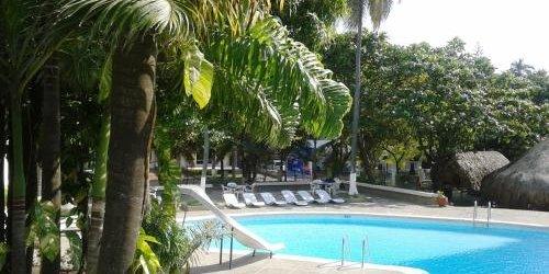 Забронировать Hotel Bahía
