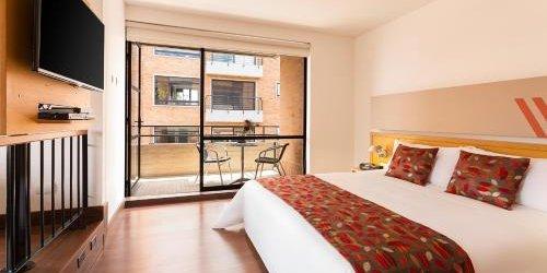 Забронировать Hotel bh La Quinta