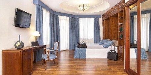 Забронировать Ayre Hotel Astoria Palace