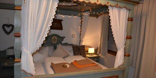 Забронировать Hotel Gasthaus Schwarzenstein