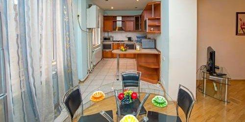 Забронировать Yerevan Apartments on Vardanants Street 5A