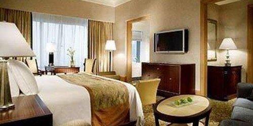 Забронировать The Ritz-Carlton Jakarta, Mega Kuningan