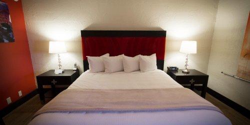Забронировать The Clarendon Hotel & Spa