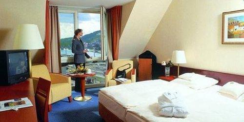 Забронировать Maritim Hotel Würzburg