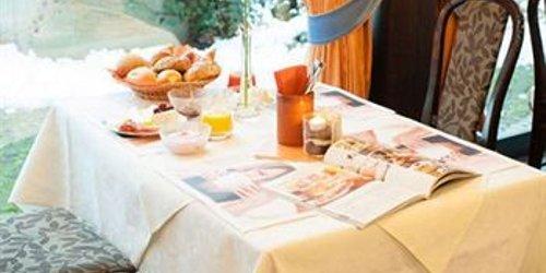 Забронировать Carat Hotel Wiesbaden City