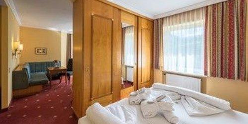 Забронировать Hotel Germania