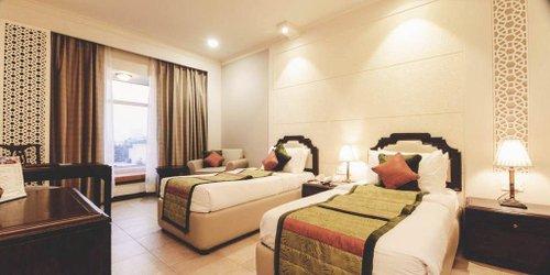 Забронировать Hotel Howard Plaza Agra