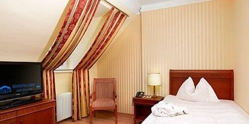 Забронировать Hotel Sauerhof