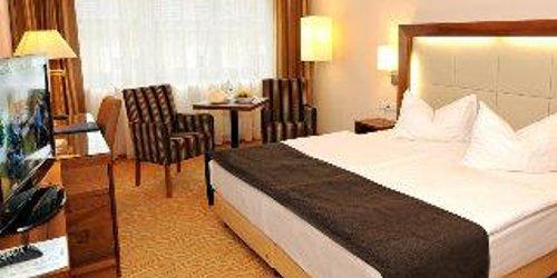 Забронировать Hotel Admiral am Kurpark