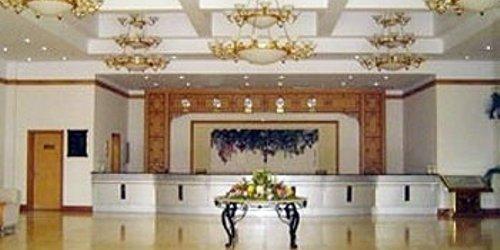Забронировать Beidaihe Green Jade Snail Lake Hotel National People's Congress Beidaihe Sanatorium