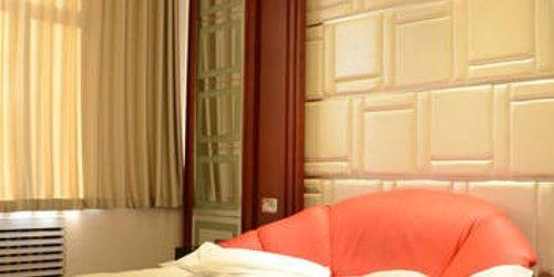 Забронировать ZhuoYue Express Hotel