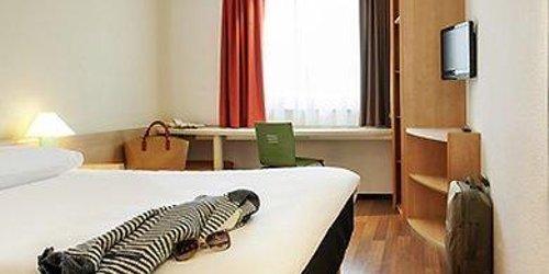 Забронировать ibis Hotel Stuttgart City