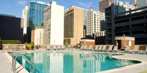 Забронировать DoubleTree by Hilton Chicago Magnificent Mile