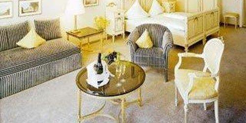 Забронировать Romantik Hotel Markusturm ob der Tauber