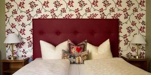 Забронировать Historik Hotel Goldener Hirsch Rothenburg