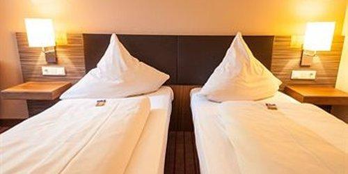 Забронировать Novina Hotel Tillypark