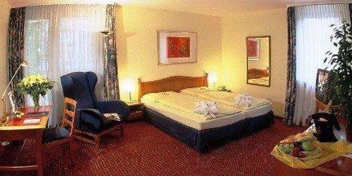 Забронировать AZIMUT Hotel Nuremberg