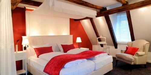 Забронировать Hotel & Restaurant Altes Amtshaus