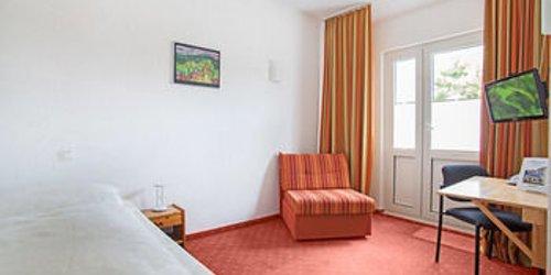 Забронировать Stadt-gut-Hotel Baltic Hotel