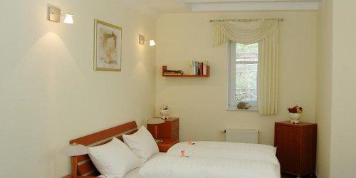 Забронировать Waldhotel Forsthaus Remstecken