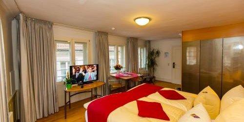 Забронировать Hotel Goldener Falke