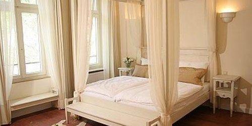 Забронировать Hotel Villa Marstall