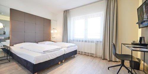 Забронировать Hotel Amadeus