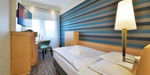 Забронировать Best Western Premier Parkhotel Kronsberg