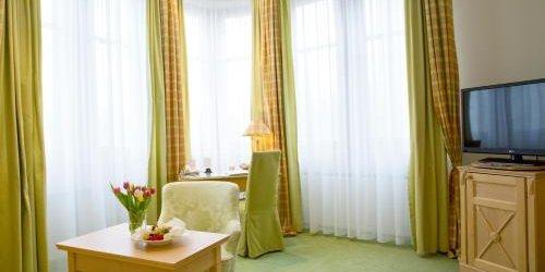 Забронировать Central-Hotel Kaiserhof