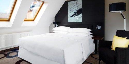Забронировать Sheraton Hannover Pelikan Hotel