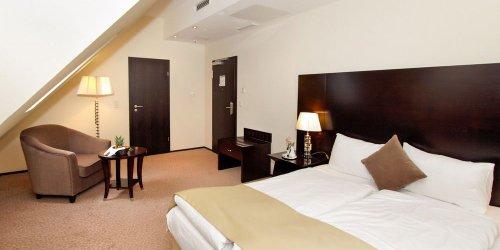 Забронировать Grand Palace Hotel Hannover