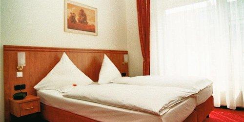 Забронировать Ruhr Hotel