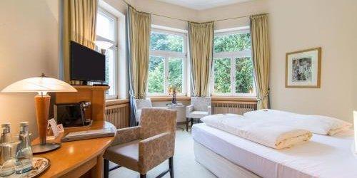 Забронировать Hotel Waldhaus-Langenbrahm