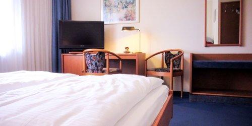 Забронировать Hotel Zur Flora